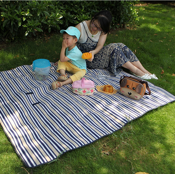 Yodo Outdoor Water-Resistant Picnic Blanket