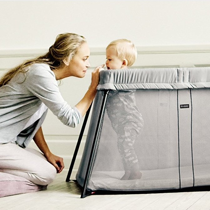 BabyBjorn Light Mesh Travel Crib