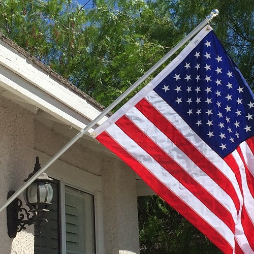 American Signature Tangle Free Flagpole
