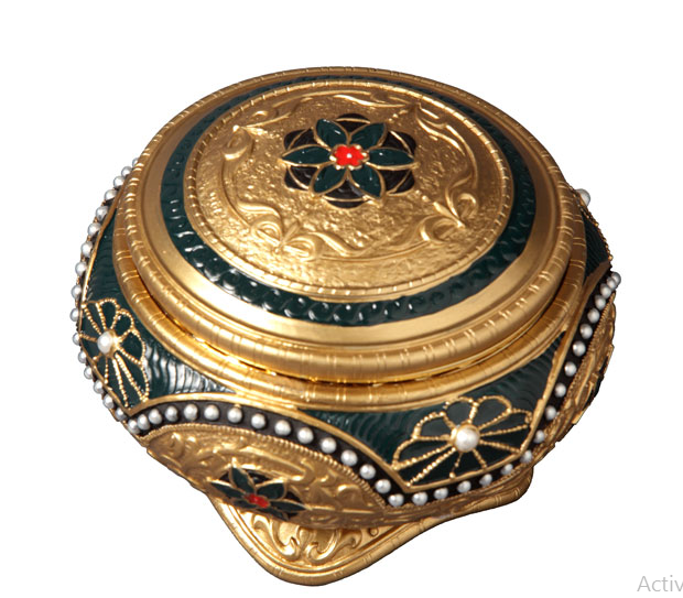 The San Francisco Music Box Company Anastasia Hinged Trinket Box