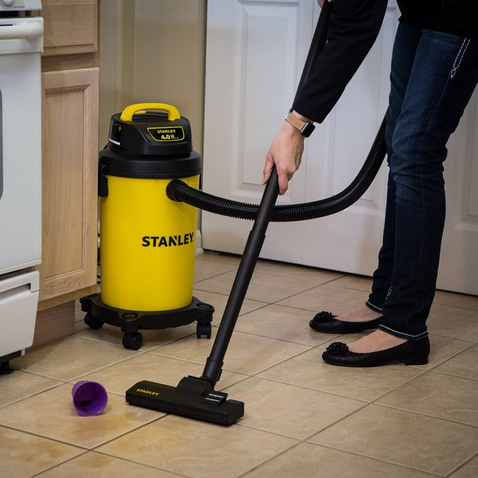 Stanley SL18130P 4.5 Gallon Wet/Dry Vacuum Cleaner