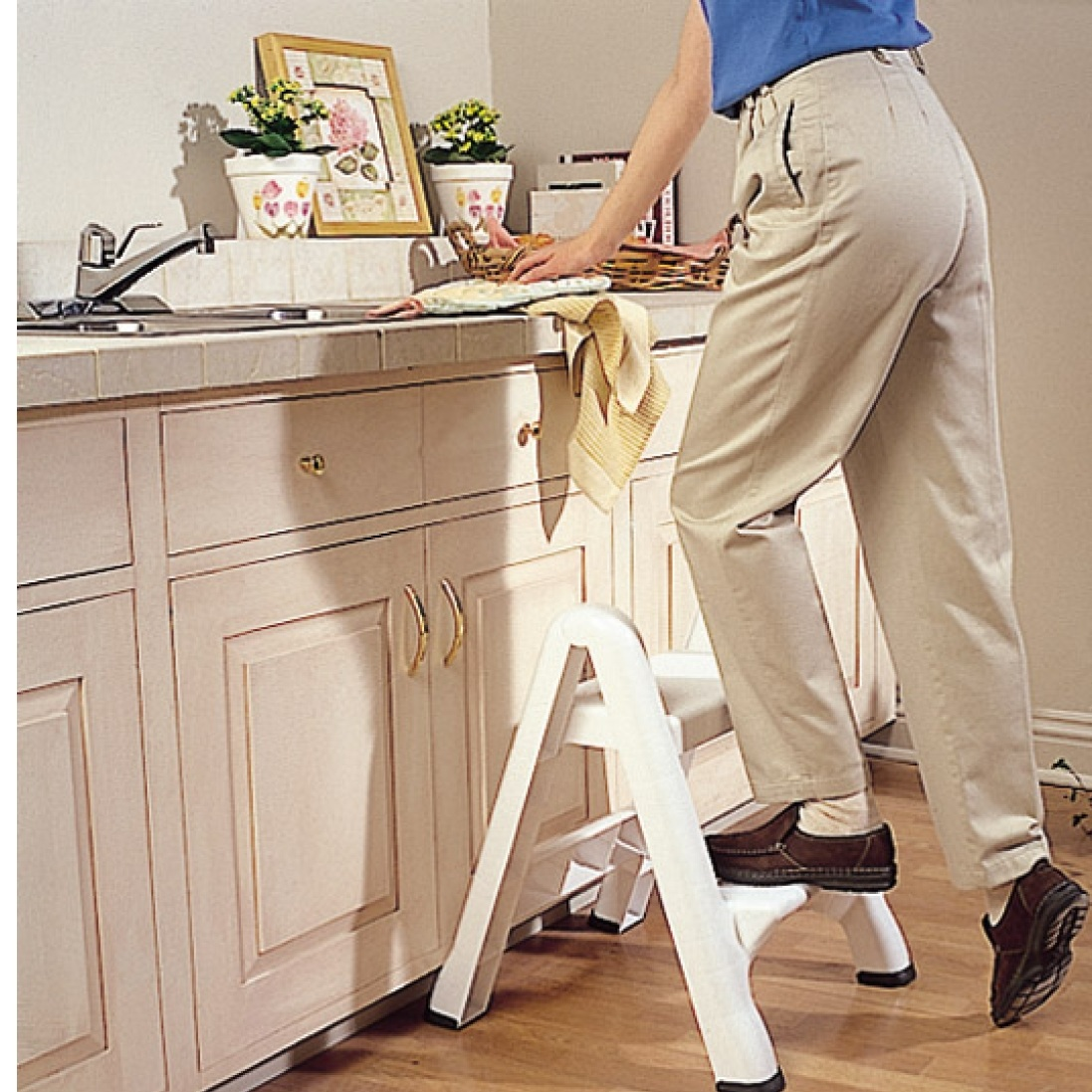 Rubbermaid EZ Step Stool
