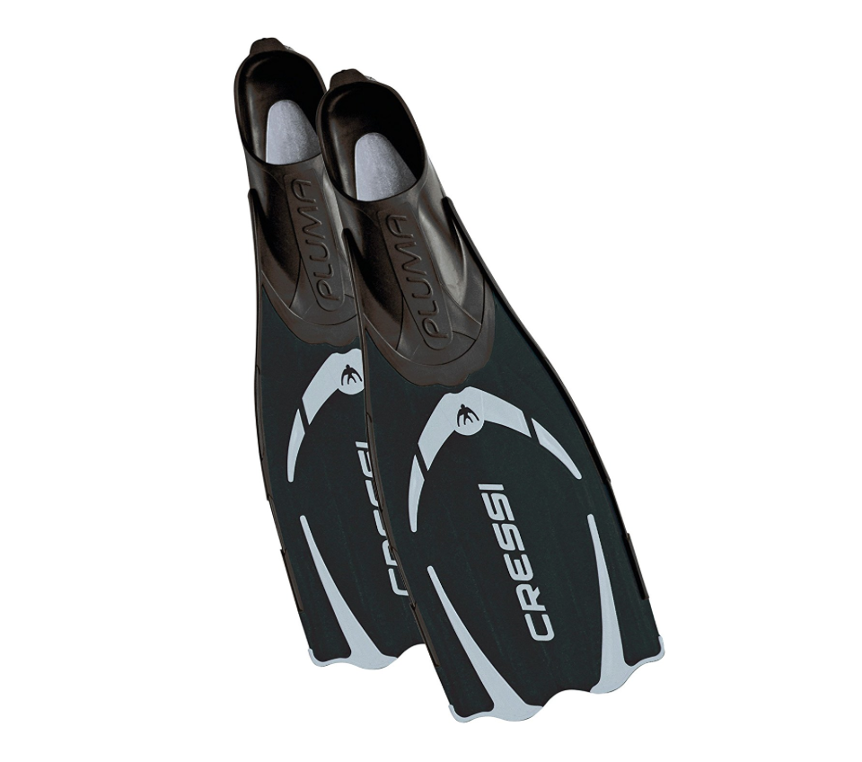 Cressi Pluma — Full Foot Lightweight Fins for Diving & Snorkeling - 100% Made in Italy - Available in 4 Colors & 11 Sizes