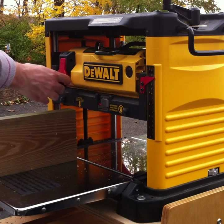 "Dewalt 13"" Three Knife Two Speed Planer"