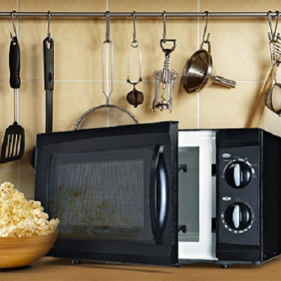 Westinghouse Countertop Microwave with Mechanical Dials