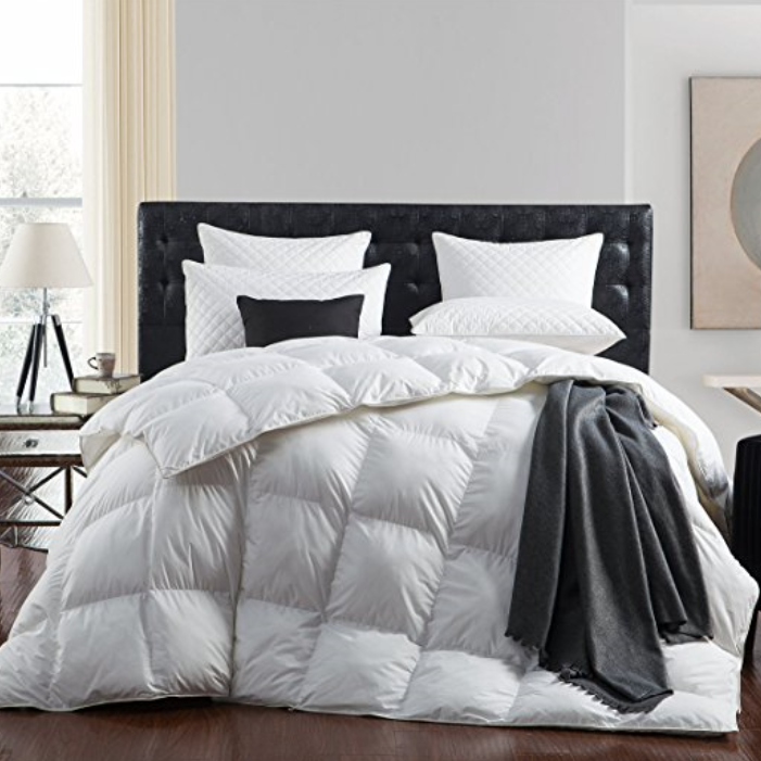 Egyptian Bedding Luxurious Goose Down Comforter