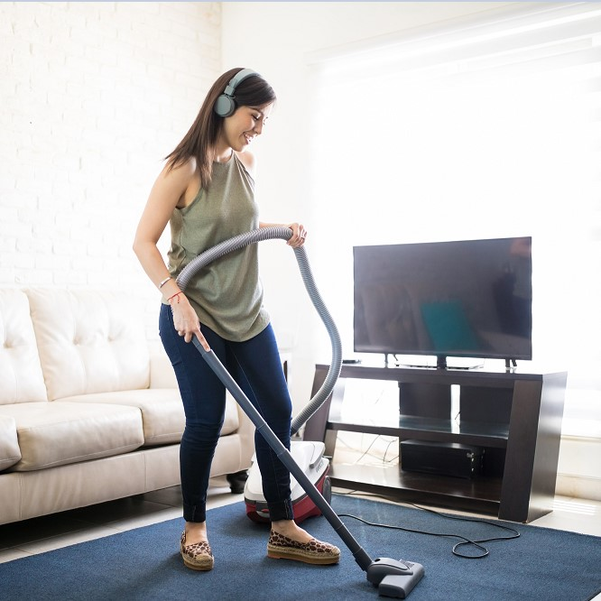 9 Vacuum Cleaning Tips You Should Know - How to Vacuum Your Carpets the Right Way thumbnail